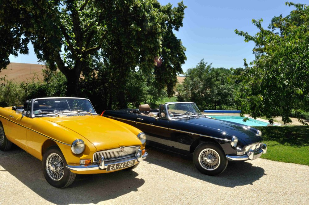 Classic Cars in Gers MGB en location
