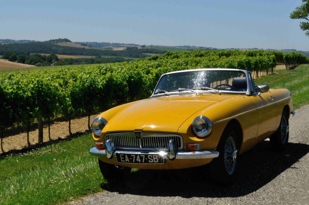 Classic Cars in Gers MGB jaune 5